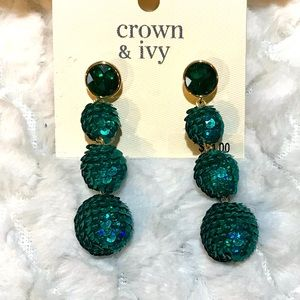 ✅🆕Green drop earrings NWT